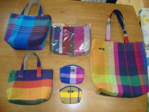 お手製さをり織バッグやポーチ