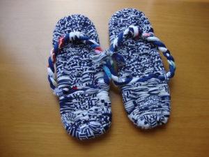 青白配色の布草履